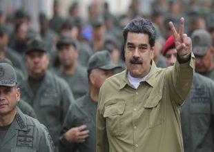 فنزويلا.. مادورو يؤكد إحباط الانقلاب وأميركا تهدد بتدخل عسكري