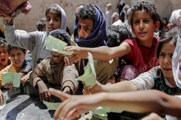 """""""ذا هيل"""": """"السعودية"""" تستخدم الطعام في اليمن كسلاح حرب"""
