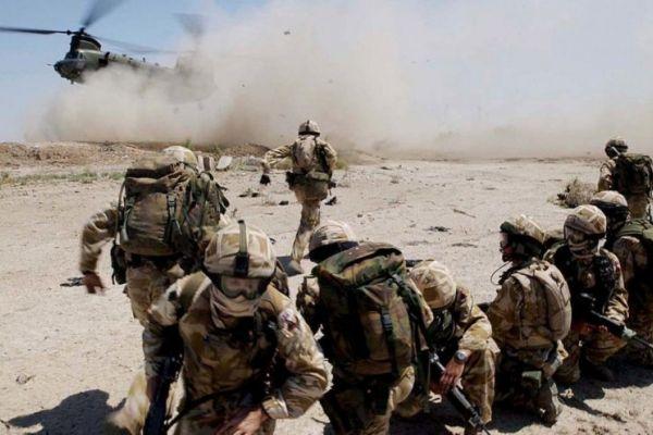 'ديلي ميل' تكشف إصابة جنود بريطانيين بنيران قوات يمنية
