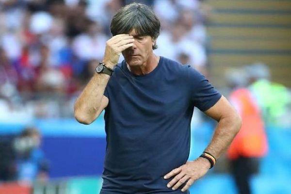 الألمان يطالبون بإقالة المدرب لوف