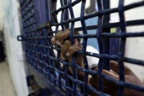 أسير فلسطيني يفقد القدرة على الحركة بسبب حقنة اسرائيلية داخل المعتقل