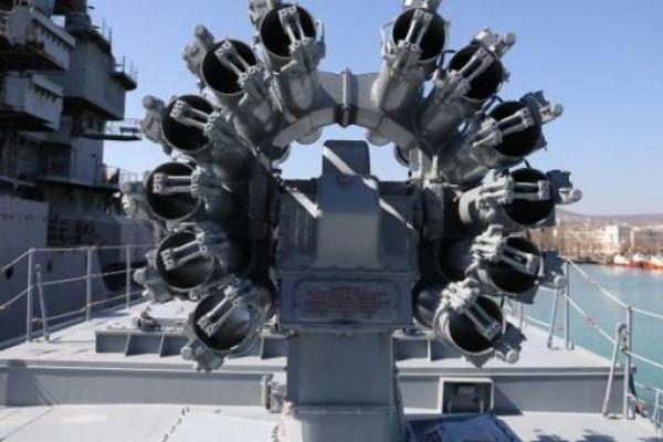 """بوتين يعطي أمرا بإنتاج صواريخ """"كاليبر"""" جديدة بمنصات أرضية"""