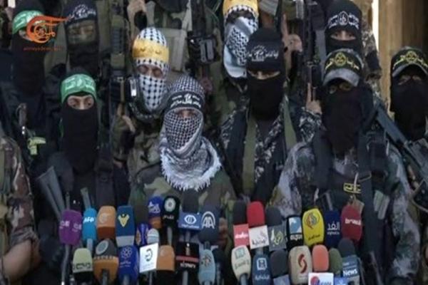 الكيان الاسرائيلي يقصف عشرات المواقع في غزة وسط تحذير الفصائل الفلسطينية