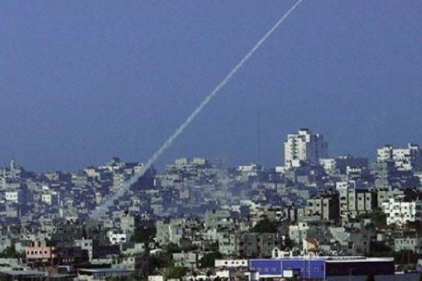 تل أبيب بعد «صاروخَي الفجر»: تواضع الرد وضيق الخيارات