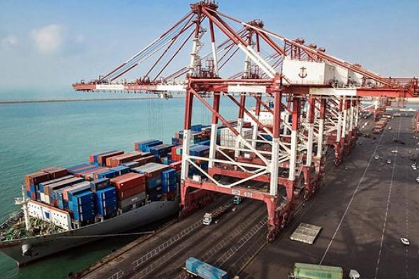 مسؤول ايراني: لم نسمح للحظر الاميركي بغلق طريق تجارتنا البحرية