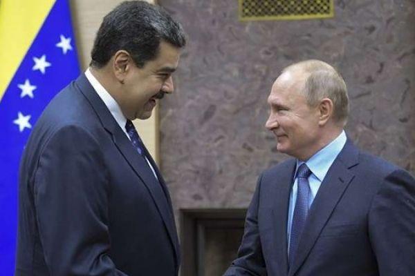 مادورو يطلب دعما سياسيا ودبلوماسيا من بوتين