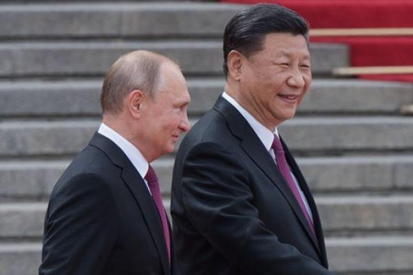 """مجلة أميركية: روسيا والصين تحضران """"كابوسا"""" يهدد الولايات المتحدة"""