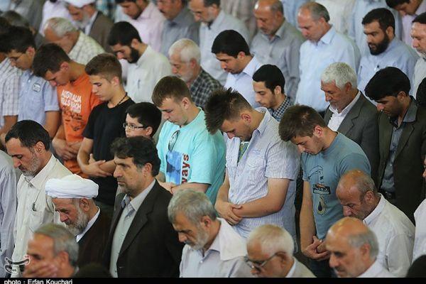صلاة الجمعة في ايران.. بعيون صحفي فلسطيني – عبد الرحمن أبوسنينة
