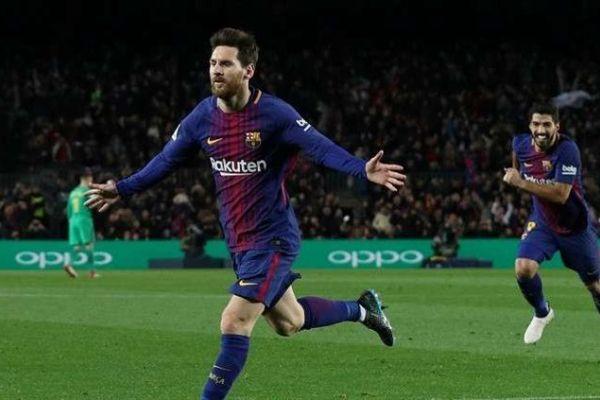 ميسي ينقذ برشلونة من كمين ألافيس