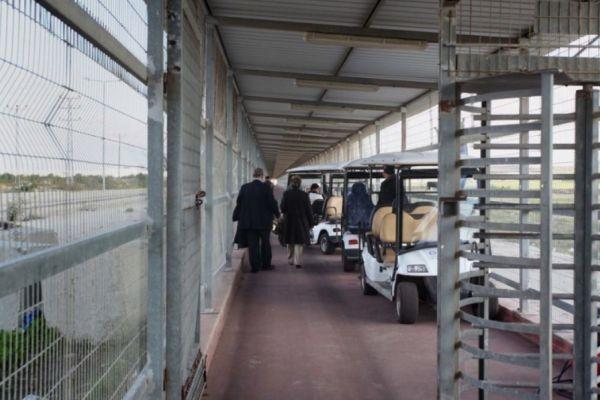 الاحتلال يقرر إغلاق معبر بيت حانون ويمنع مغادرة المرضى والتجار