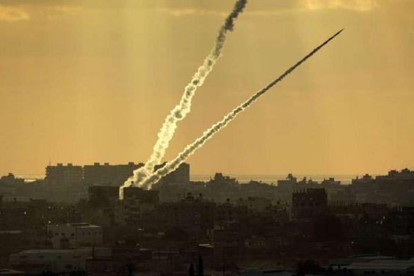 المقاومة تواصل إطلاق الصواريخ ردًا على عدوان الاحتلال