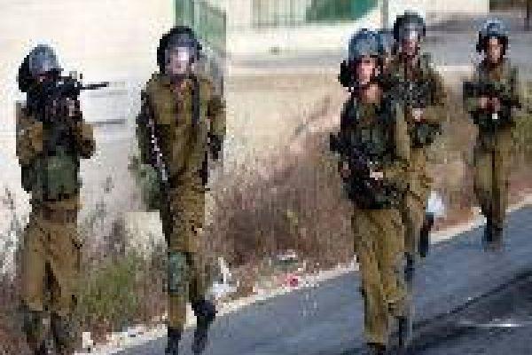 جيش الاحتلال الاسرائيلي يدفع بتعزيزات إضافية الى الضفة