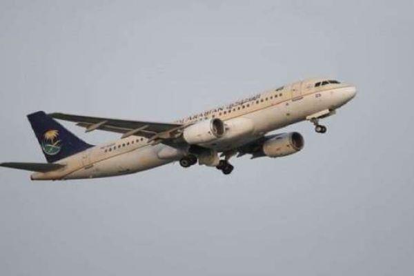 مسافرة تجبر طائرة على العودة بعد نسيان طفلها في المطار!