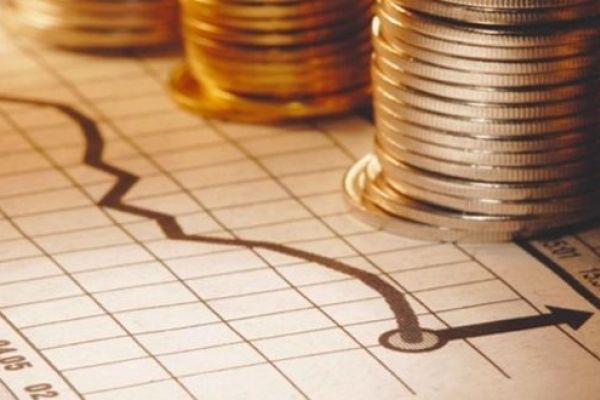 """انتكاسة جديدة تضرب الاقتصاد """"السعودي"""".. 26 منشأة تغادر سوق العمل يوميا"""