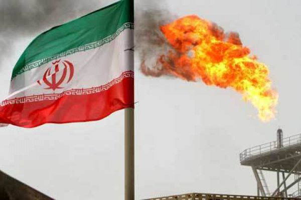 المركزي الإيراني: واشنطن فشلت بعقوباتها على نفط طهران